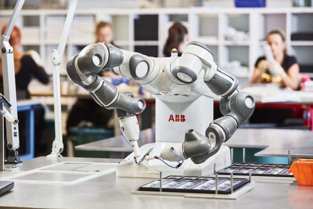 Stanowisko z robotem współpracującym ABB