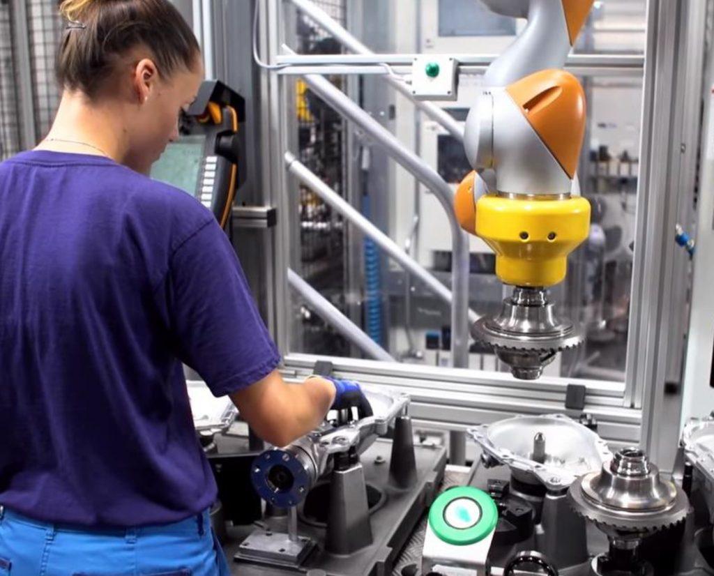 Stanowisko z robotem współpracującym Kuka